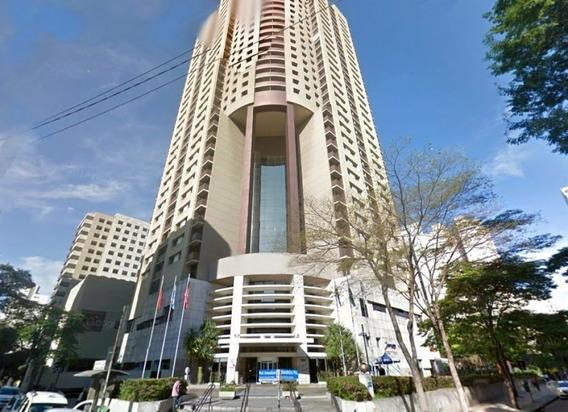 Localizado No Itaim Bibi, Flat Rodeado Por Vasto Comércio, Todos Os Bancos, Excelentes Restaurantes - Sf30359