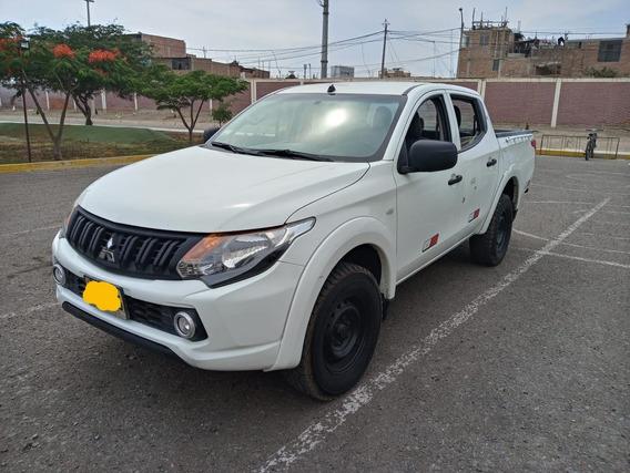 Mitsubishi L200 2015