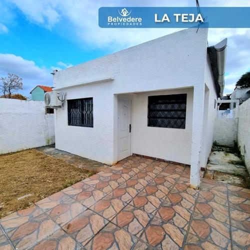Casa De 2 Dormitorios Living Comedor Cocina Baño Jardin