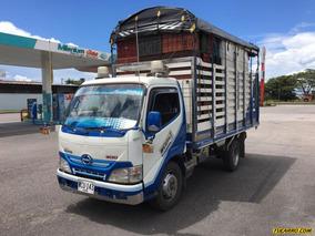 Estacas Hino Camion 2016