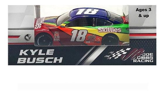 Nascar Toyota Camry 2018 Kyle Busch 18 Skittles Escala 1/64