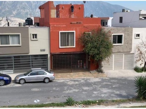 Casa En Venta En Pedregal De La Huasteca