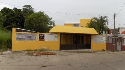 Casa En Venta, Fracc. San Miguel Arcángel, Nanchital, Veracruz.