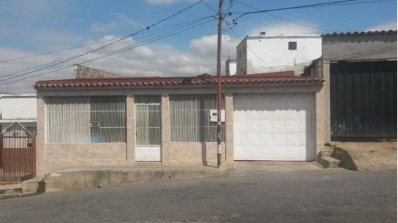 Casa En Venta Zona Oeste Barquisimeto Lara 20-10718