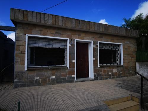 En Venta Casa 3 Dorm. Piedras Blancas C/garage
