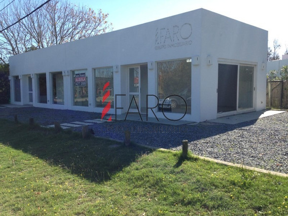 Local Comercial En Alquiler En La Barra, Muy Buena Ubicación- Ref: 37307