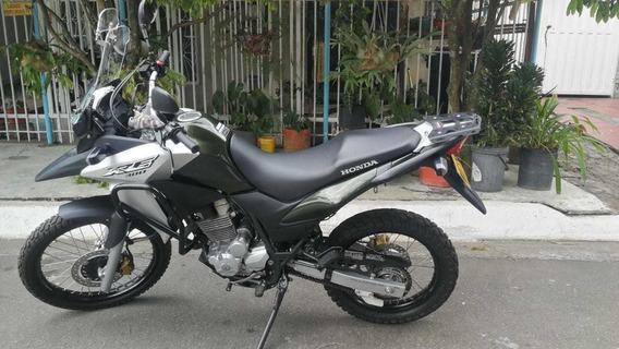 Vendo Moto Honda Xre 300