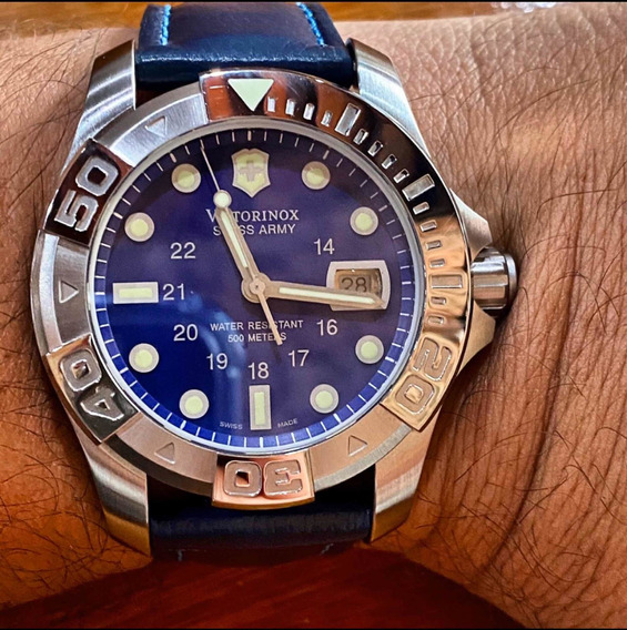 Relógio Victorinox Swiss Army Dive Master Wr 500m Safira.