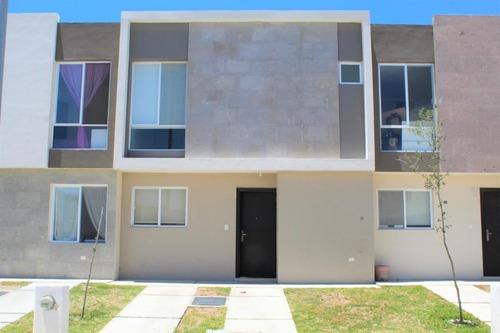 Casa En Venta En Zakia, El Marques, Rah-mx-20-2716