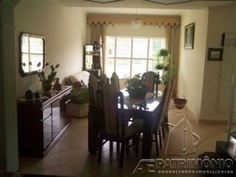 Casa - Centro - Ref: 1051 - V-1051