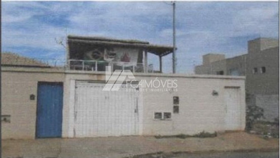 Rua Rio Jequitai, Planalto, Montes Claros - 533144