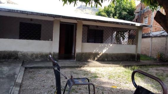 En Venta Qta Colonial Redoma El Toro,sector Camoruco Maracay