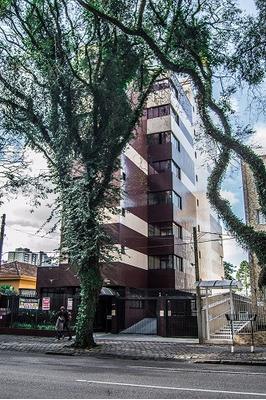 Apartamento Semi-mobiliado No Água Verde!!