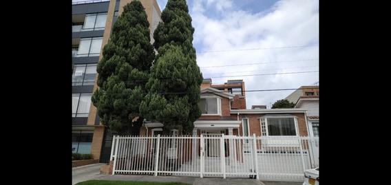 Oficina Consultorio Arriendo Norte Bogotá Amoblado
