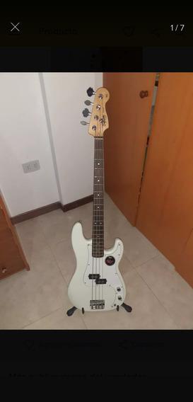 Bajo Squier Fender Serie California