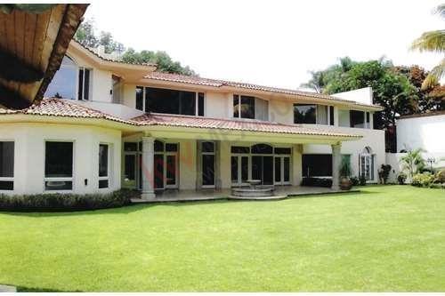 Residencia En Venta, Club De Golf Tabachines, Cuernavaca, Morelos