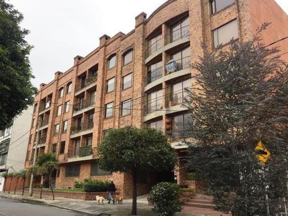 Apartamento En Venta En Santa Barbara Bogota 20-116 C.o