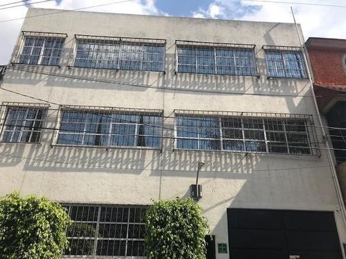 Edificio En Renta, Casa Amarilla, Granada.