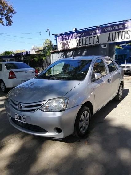 Toyota Etios 1.5 X 2015