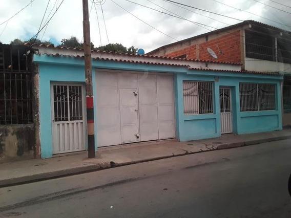 Venta Amplia Casa En Las Ferias 20-4873 Mz