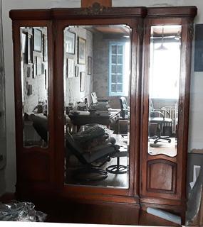 Ropero Monumental Tres Espejos Y Bronce