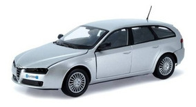 Alfa Romeo 159 Sportwagon Prata - Escala 1:24 - Motormax