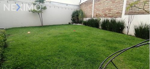 Imagen 1 de 10 de Casa En Venta, Amplio Jardín, Fraccionamiento La Marquesa, En Momoxpan, Puebla.