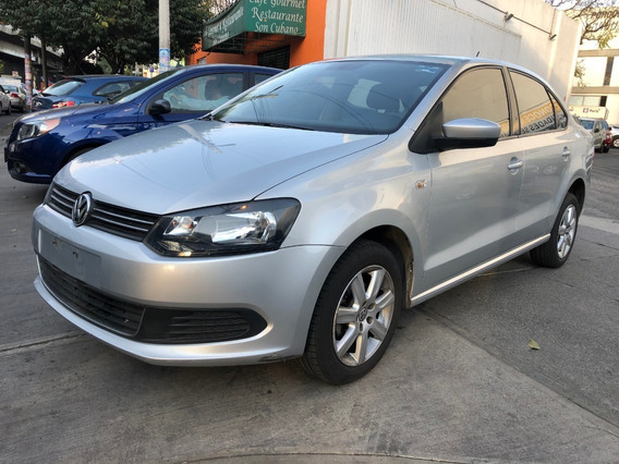 Volkswagen Vento Active 2015 Estándar