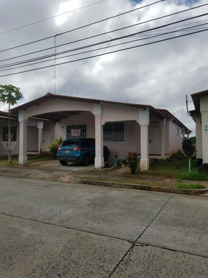 Casa En Venta En Arraijan 20-8130 Emb