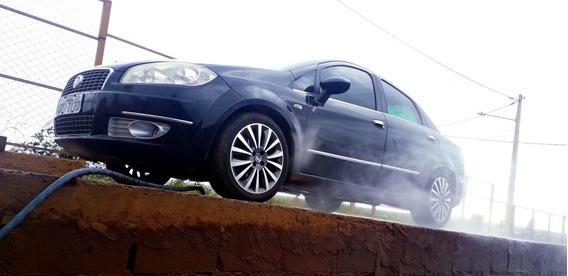 Fiat Linea 1.8 16v Essence Flex 4p 2013