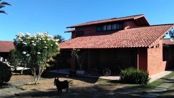 Excelente Casa Com 5 Quartos Em Itaúna.