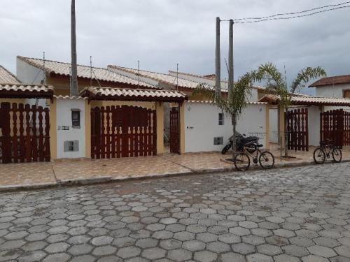Imagem 1 de 9 de Casa Litoral Sul Lado Praia 100m²- Ref. 6569-f/dz