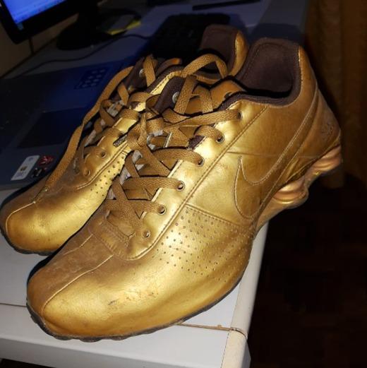 Tênis Masculino Nike Shox Dourado