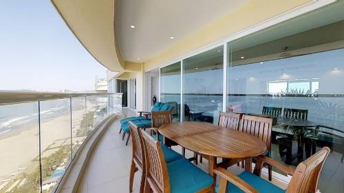 Cad Aquarelle 2502 Terraza Grande Con Vistas Al Mar
