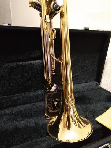 Imagem 1 de 4 de Trompete Eagle Sib Tr504 Novo -instrumento Com Garantia -
