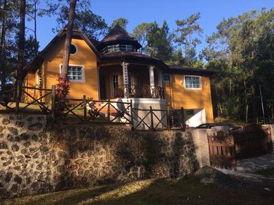 Vendo Hermosa Villa Amueblada En Jarabacoa.