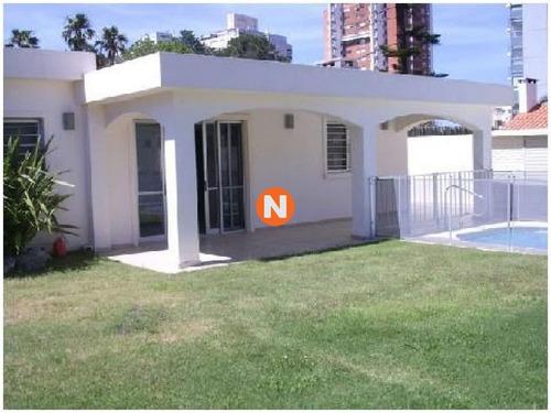 Casa En Venta, Mansa, Punta Del Este, 4 Dormitorios.- Ref: 209719