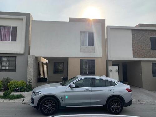 Casa En Renta En Samsara, Dominio Cumbres