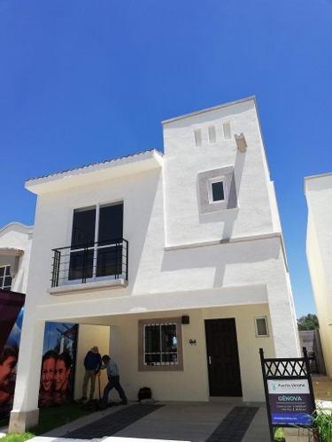Linda Casa En Sonterra, 3 Recamaras, 2.5 Baños, Patio, Jardín, Privada..
