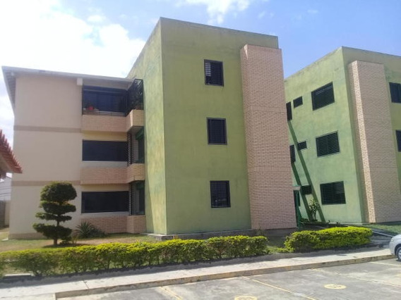 Apartamento Venta Centro De Cabudare 20-10352 As