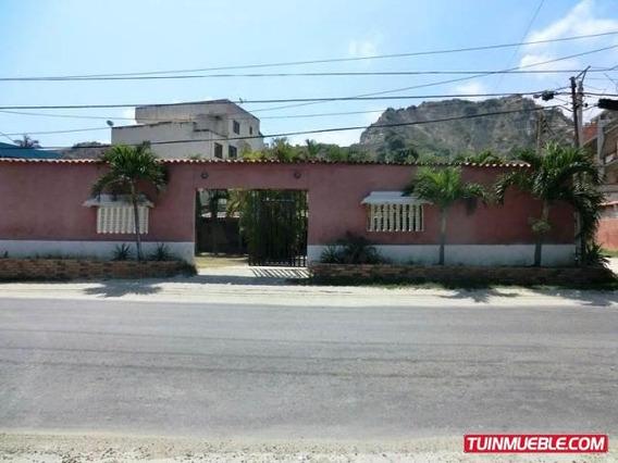 Casas En Venta 18-7203 Astrid Castillo 04143448628