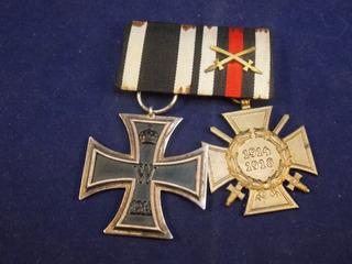 Antique, Cinta Cruz De Hierro Y Cruz De Honor, Originales.