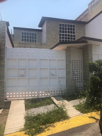 Casa En Renta En Villas De La Hacienda Con Vigilancia
