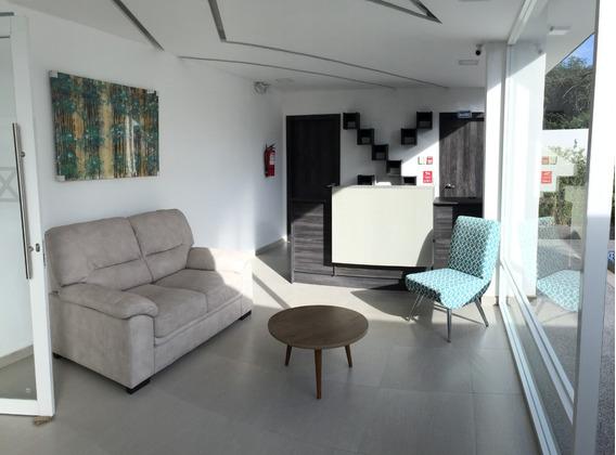 Cumbayá - Usfq - Venta Departamento 2 Dormitorios + Patio.