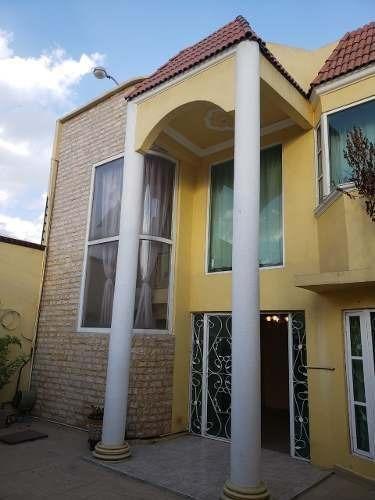 Casa 3 Recámaras, 2 Baños 212 M2 Construidos