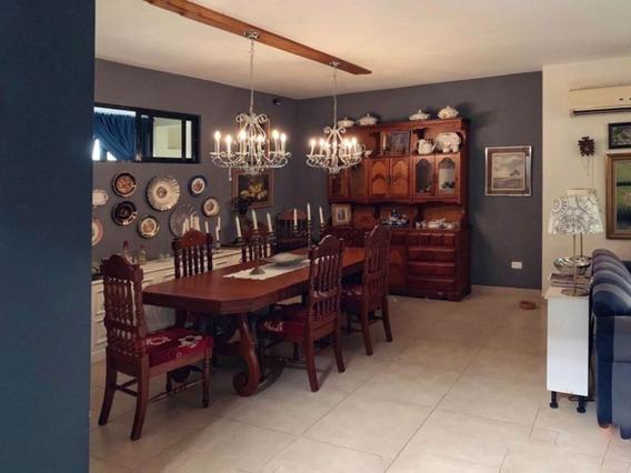 Casa En Venta!! 4 Hab. En Arroyo Hondo 324 Mts