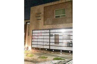 Casa Residencial En Venta En Col. Real De Anahuac, San Nicolas De Los Garza, N. L.