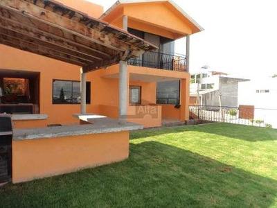 Casa En Venta En Loma Dorada, Querétaro. Con 500 M2 De Construcción Y 4 Amplias Habitaciones