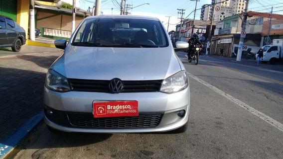 Volkswagen Fox 2014 1.6 Highline Flex- Esquina Automoveis