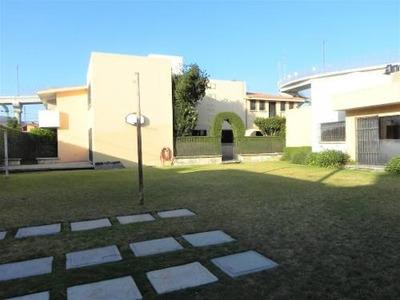 Residencia En Renta En San Javier.